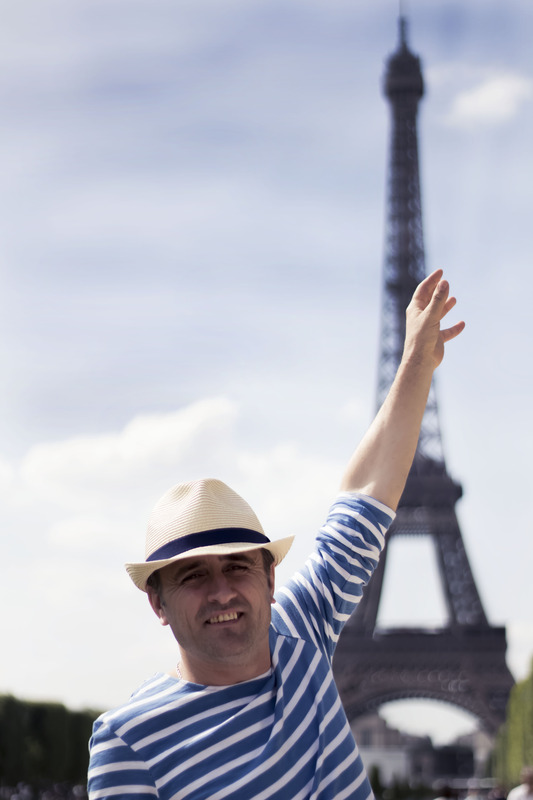 Ilir in front of the Eiffel tower