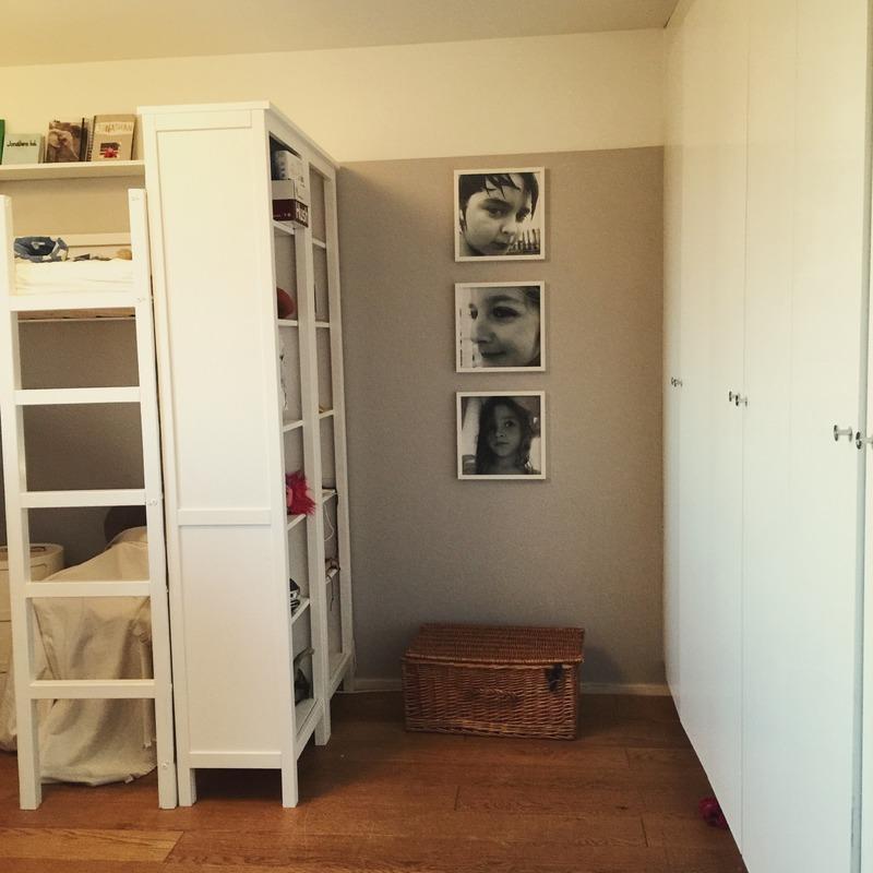 bunkbed for three with bookshelf